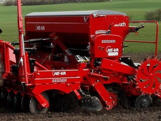 Disc-Seeder-close-up.jpg