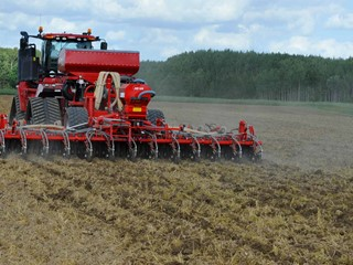 HE-VA-Sub-Tiller-with-rape-seeding-equipment.jpg