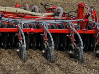 Sub-Tiller-seeding-with-disc-coulters.jpg