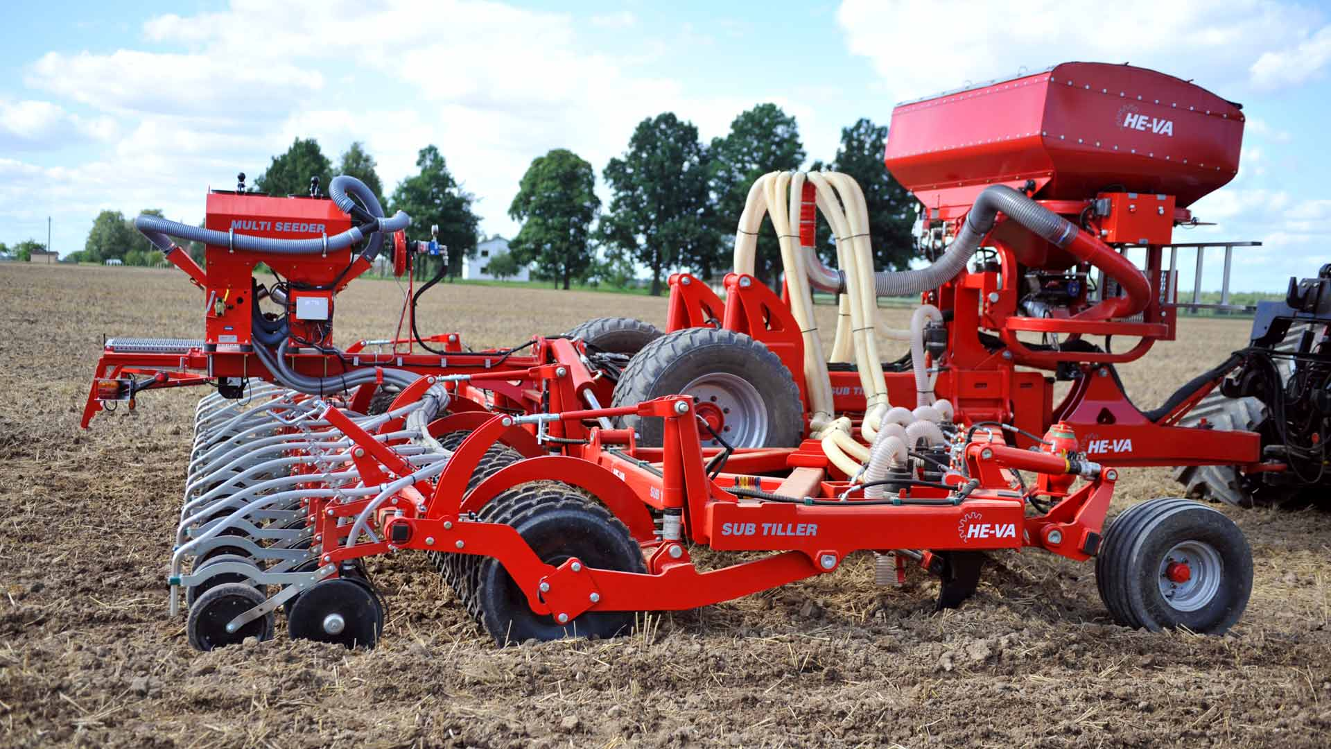 HE-VA Sub-Tiller loosens the soil, spreads fertilizer and consolidates the soil. The disc coulters create 2 mm drills in the surface of the soil, where the rape seeds are placed and the roller consolidates the soil around the seeds, before the snail poison is spread on the surface.
