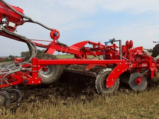 Combi-Disc-roller-and-seeding-equipment.jpg