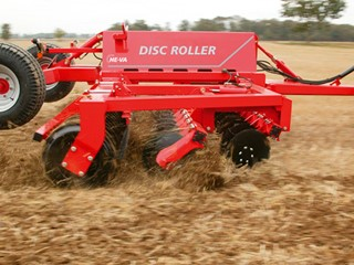 Disc-Roller Classic_working the surface.jpg